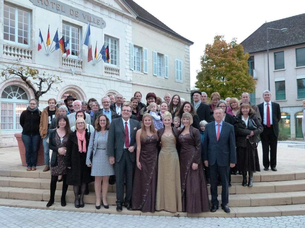 Empfang des Freundeskreises Bingen – Nuits-Saint-Georges mit Oberbürgermeister Thomas Feser und Prinzess Schwätzerchen Elena sowie den Weinprinessinen Annika und Muriel im Oktober 2015